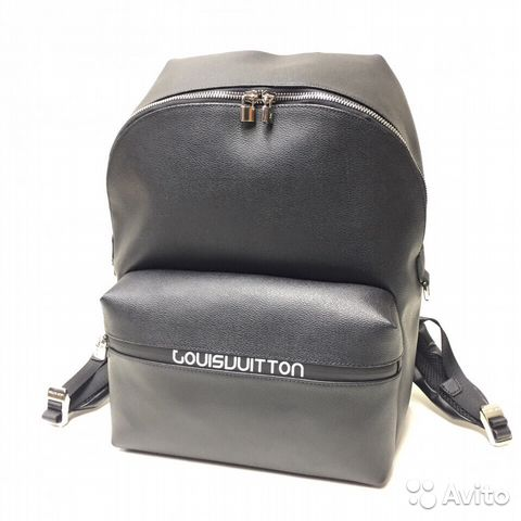 Рюкзак от Louis Vuitton  fde9d3f7b7504
