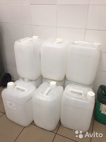 Канистра 25 литров, пластиковая, б/у много