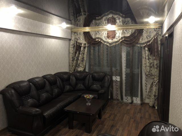 Продается двухкомнатная квартира за 2 200 000 рублей. Челябинск, Комсомольская улица, 11.