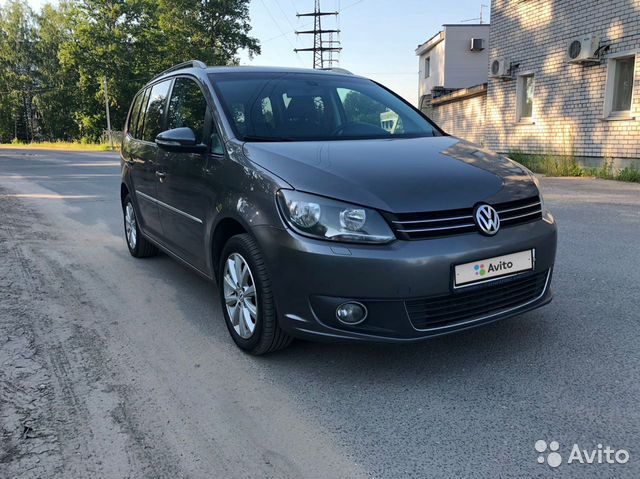 Volkswagen Touran, 2011 купить 2